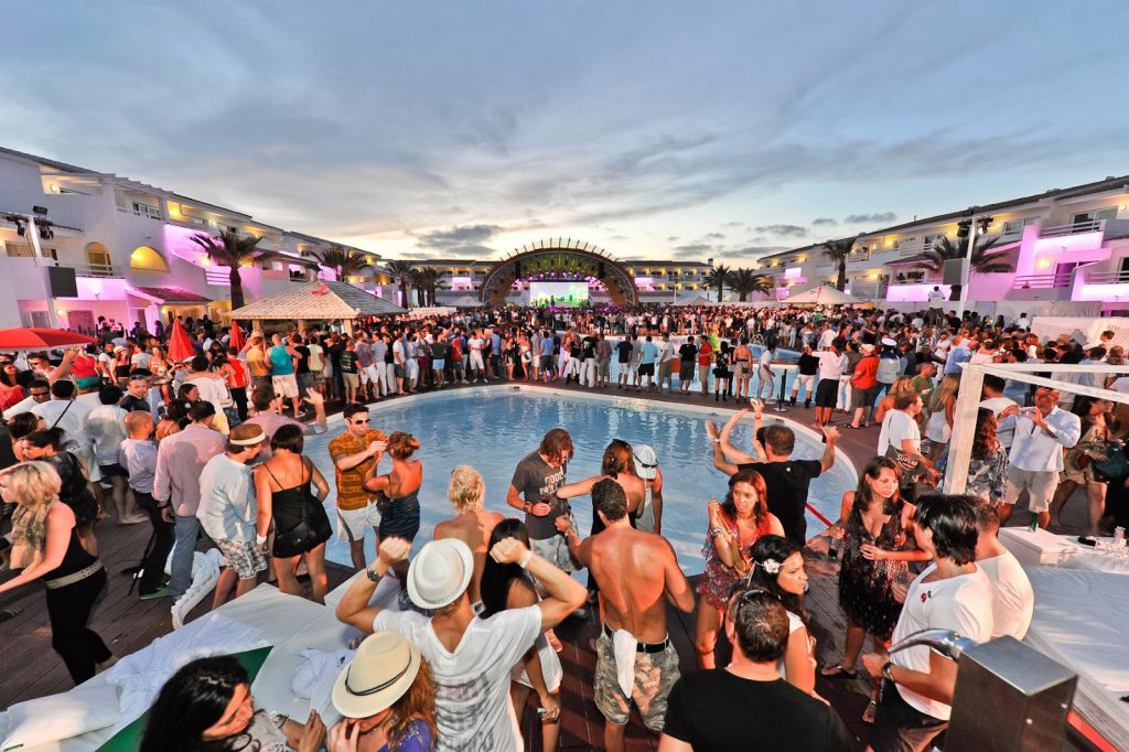 Hoteles y alojamiento barato en Ibiza