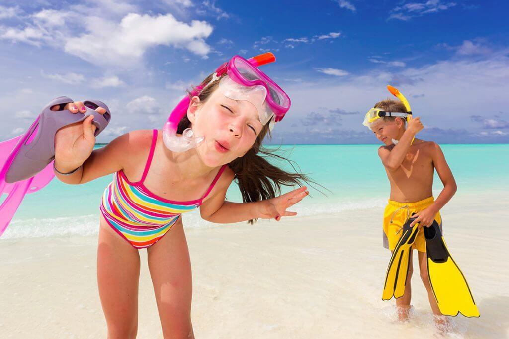 Consejos para viajar con niños en coche - Ibizagocar