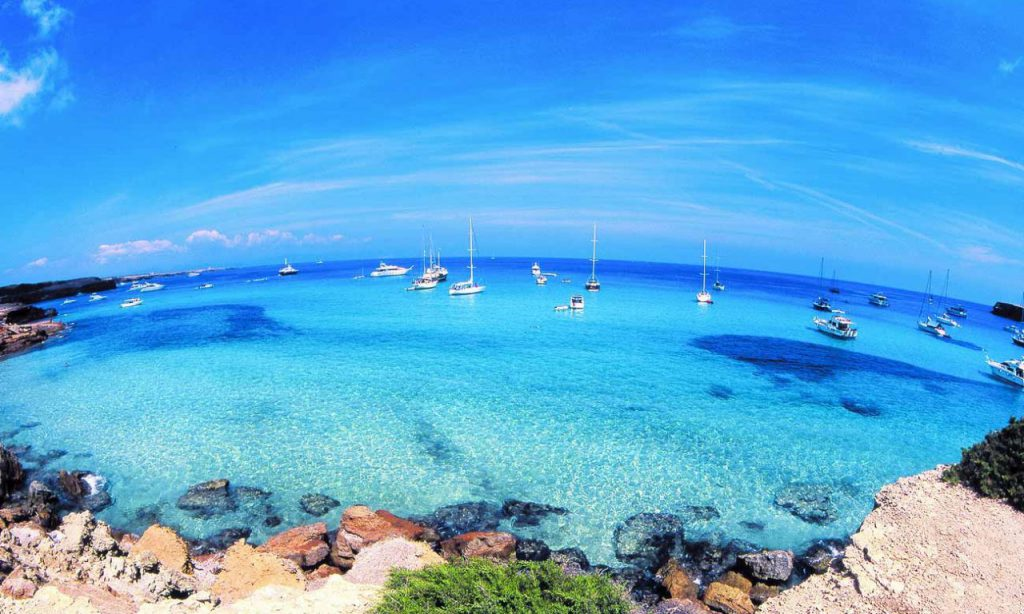 How to go from Ibiza to Formentera?