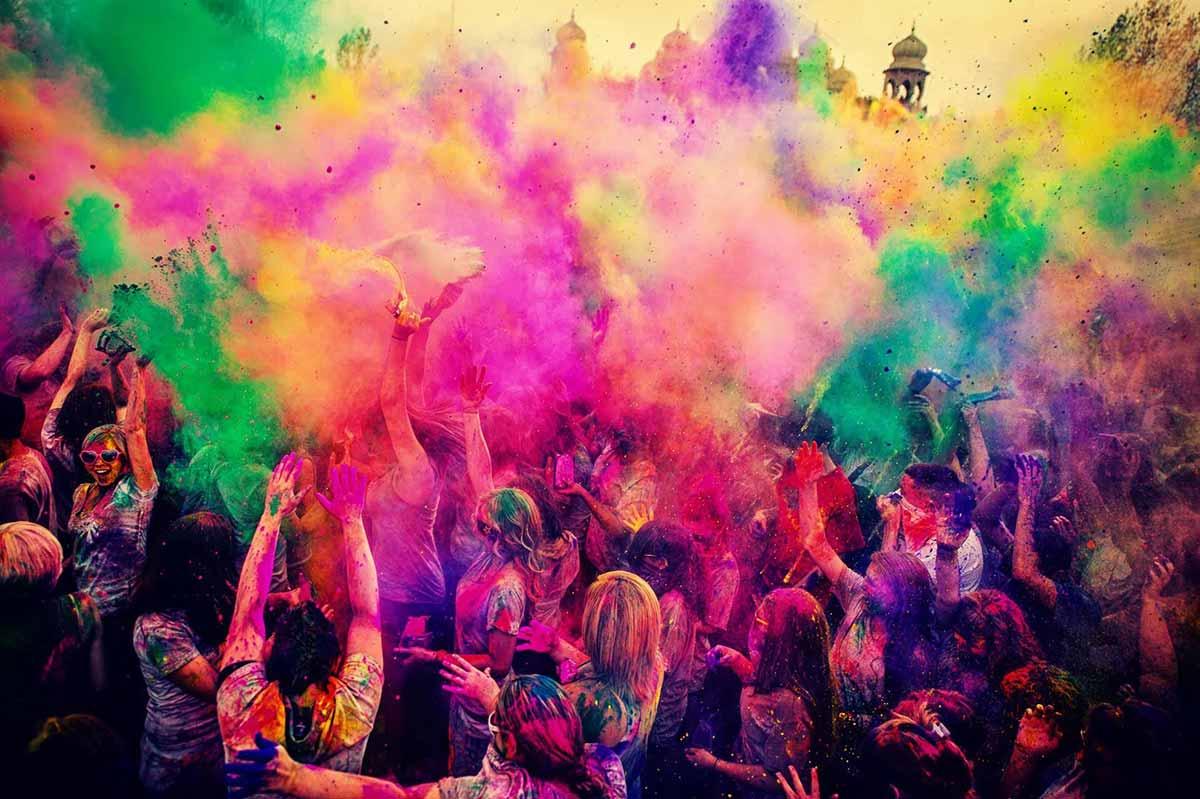 La fiesta Holi llega a Ibiza – Siente el color de la India
