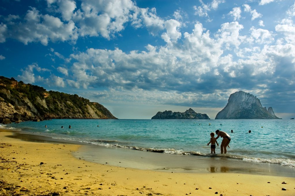 What to see in Ibiza? Cala d'Hort